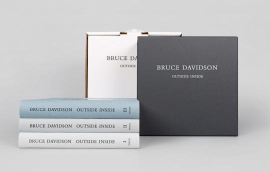Bruce Davidson. Outside Inside. 3 Bände.