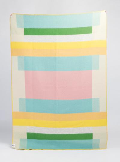 Decke »Mikkel«, pastell. Vom Bauhaus inspiriert.