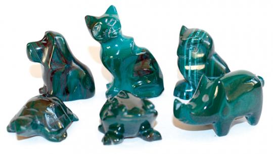 6 Malachit-Tierfiguren.