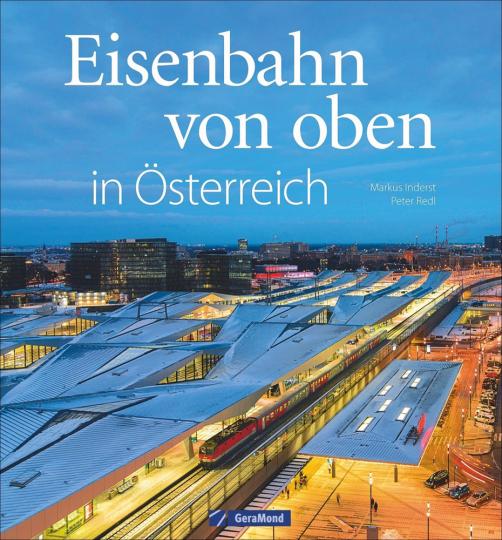 Eisenbahn von oben in Österreich.