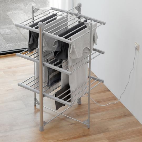 Wäscheständer mit elektrischer Trocknerfunktion.