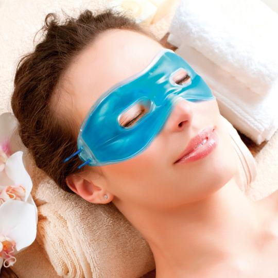 Entspannende Gel-Augenmaske.