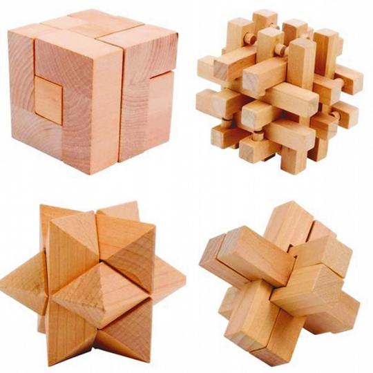 Geschicklichkeitsspiel Woody - 4 dreidimensionale Holzpuzzle im Set