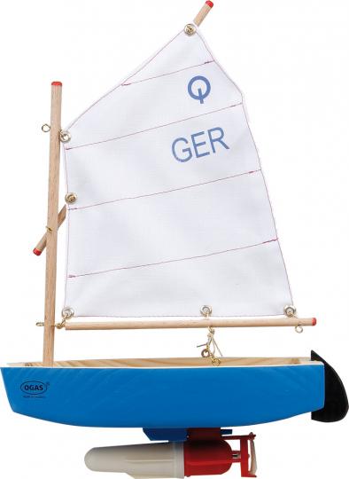 Holzspielschiff. Segelboot »Optimist« mit Motor.