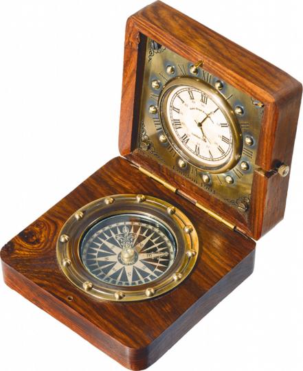Kompass mit Uhr in Holzbox