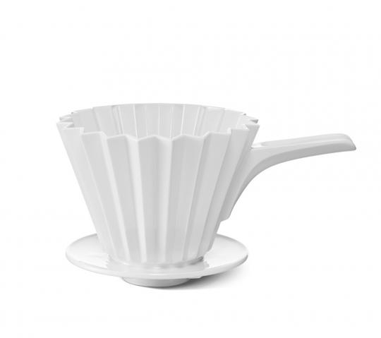 KPM »Café Berlin«, Kaffeefilter aus Porzellan mit Griff.