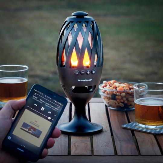 LED-Solarfackel & Bluetooth-Lautsprecher.