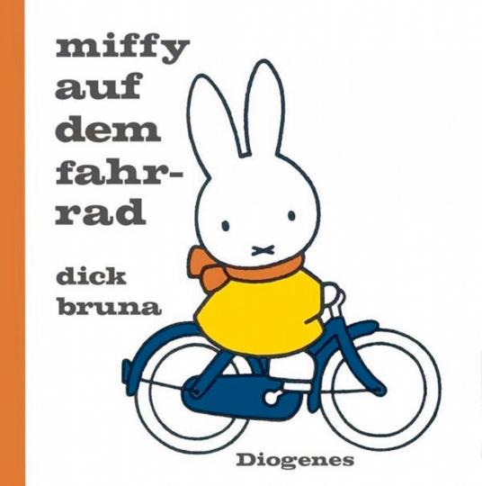 Miffy auf dem Fahrrad.
