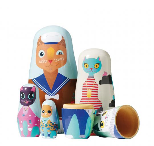 Puppe in der Puppe »Handbemalte Holzkatzen«.