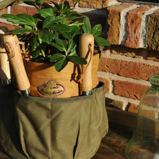 Runde Tasche für Gartengeräte.