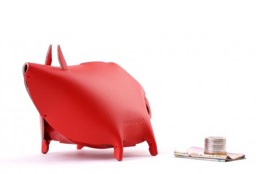 Sparschwein, rot.