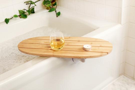 Tablett für die Badewanne.