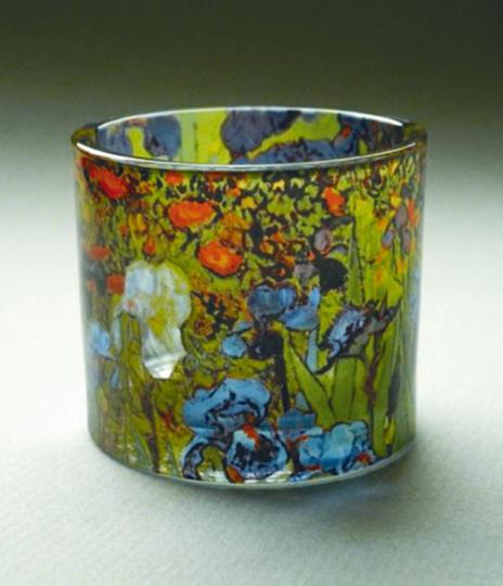 Teelicht mit van Gogh-Blumen.