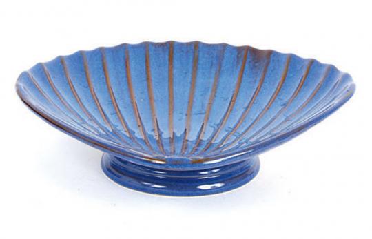 Vogelbadewanne in Muschelform, blau.
