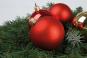 12 Christbaumkugeln. Rot. Bild 2