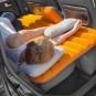 Aufblasbare Luftmatratze fürs Auto. Bild 3
