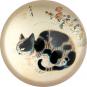Briefbeschwerer Byeon »Katze in einem Garten«. Bild 3