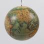 Mobile »Historische Globen«. Bild 3